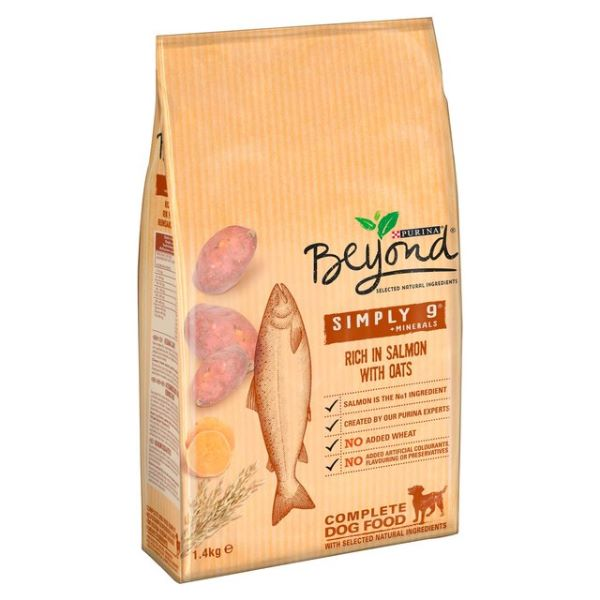 Кучешка Храна Beyond Simply 9 със Сьомга, ядки и сладък картоф, 1400гр