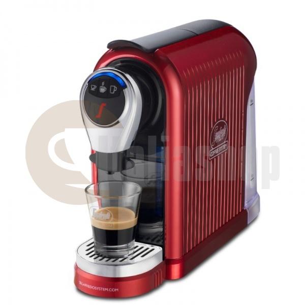 Segafredo espresso 1 plus  червен цвят + 1 кутия луксозни сладки Bocconotto + 10 бр капсули